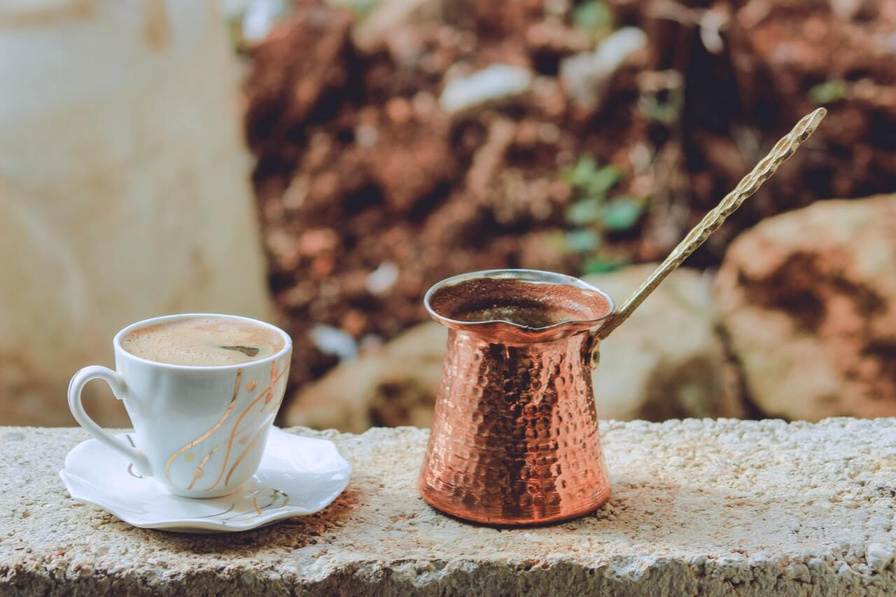 Alternatívne prípravy kávy – ako dosiahnuť tú najlepšiu chuť?